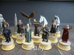 61 x Eaglemoss Lord of the Rings Chess set pieces In displayed condition