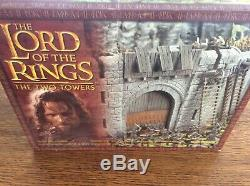 BOXED Games Workshop Lord of the Rings Helms Deep Fortress The Two Towers