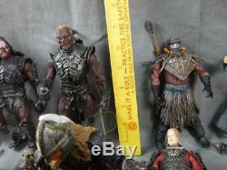 Large Lord Of the Rings 22 Figure lot with lots of accessories Great shape