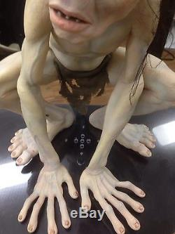 Life Size Talking Lord Of The Rings Gollum Smeagol With Super Rare Stand