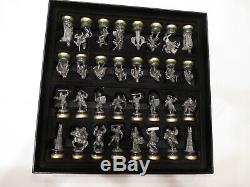 Lord of the Rings Collector's Chess Set Noble Collection Chess 32 Total Pieces