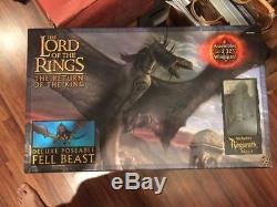 Lord of the Rings Deluxe Poseable Fell Beast w Ringwraith Rider LOTR Figures
