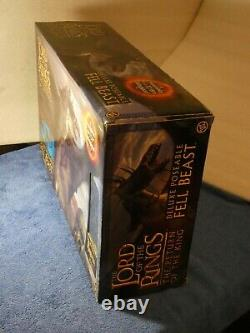 Lord of the Rings Deluxe Poseable Fell Beast with Ringwraith Rider