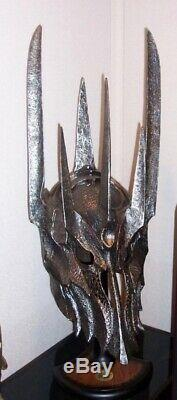 Lord of the Rings Helm Of Sauron UC1412 Authentic United Cutlery (Very Rare!)