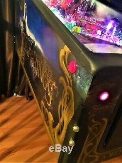 Lord of the Rings Machine By Stern 2003 MINT CONDITION