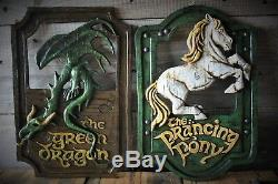 Lord of the Rings'The Prancing Pony' and'The Green Dragon' pub signs set