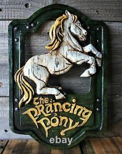 Lord of the Rings'The Prancing Pony' pub sign