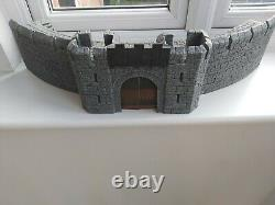 Lord of the rings warhammer Helms Deep Fortress / Castle