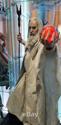 SIDESHOW Lord Of The Rings Saruman Premium Format Exclusive Figure Statue
