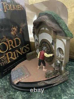 Sideshow Weta Lord of the Rings No Admittance Bookends Gandalf Bilbo