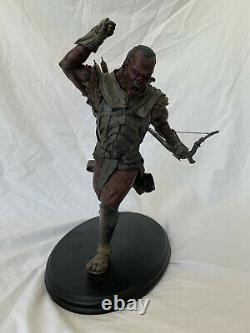 Sideshow Weta Lord of the Rings Uruk-Hai Scout Swordsman Statue