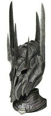 United Cutlery Lord of the Rings The War Helm of Sauron UC2941 VERY RARE