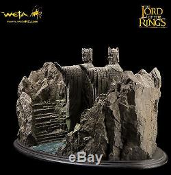 Weta Argonath statue Lord of the Rings 418/500 Rare Sideshow